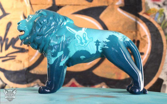 Chinesischer Drache auf kleinem Löwen