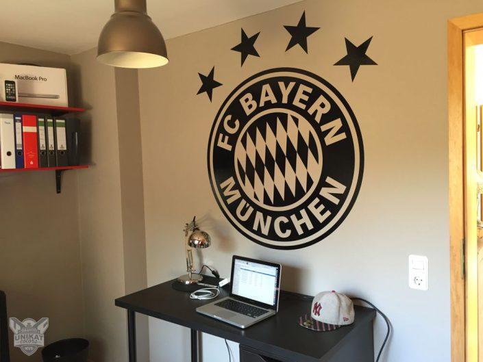 Fc Bayern logo im Zimmer
